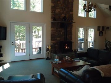 Great room with gas fireplace and large flatscreen HDTV