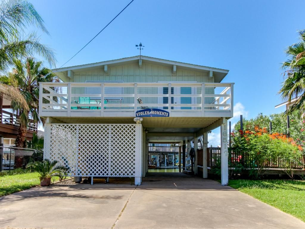 Waterfront home w shared pool boat slip vrbo for Jamaica vacation homes