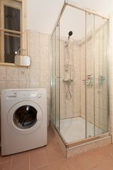 Budapest apartment photo - Bathroom with washer