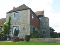 A 5 self-catering Grade II listed corner cottage set in 350 acre private estate