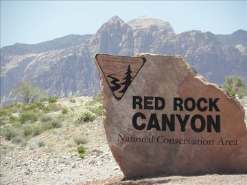 Our condo is located 10 miles from Red Rock Canyon, Wet N Wild and more.
