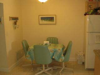 St Pete Beach condo photo - Adorable eat in kitchen.