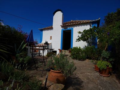 Typical Portuguese Cottage - Pretty Gardens, Sunny Terraces, Views To The Sea.