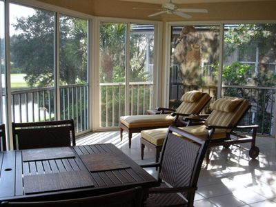 Bright & Airy Lanai with 2 Chaises and 6 Person Dining Table