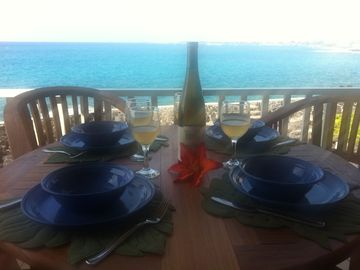 Kailua Kona condo rental - Romantic dinners right on your private lanai! Yes this really is your view!