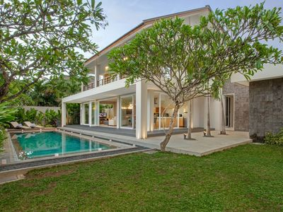 DelMar - New 4 Bedrooms Villa at Canggu