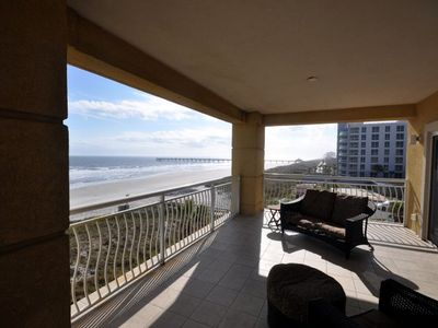The Sailfish Oceanfront -Lancelot's Castles Family of Vacation Homes-