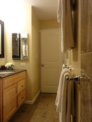 Maalaea condo photo - Completely updated bathroom with granite vanity and floors.