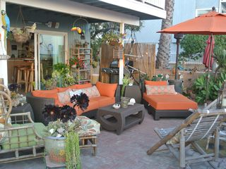 Marina del Rey condo photo - Sunbrella fabric outdoor furniture on the lanai with umbrella, BBQ, patio heater