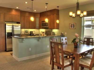 Beautifully Decorated and well stocked Kitchen. Dining room seats 6 comfortably