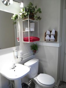 Second 3-piece bathroom, with bath and in-tub shower