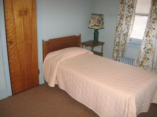 Lake Placid house photo - Blue room - now has 2 twin beds