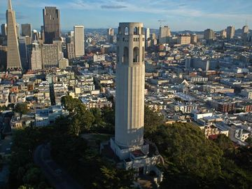 Location is between the Transamerica Pyramid Building and the Coit Tower