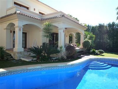 Calahonda villa rental - Terrace area pool and garden