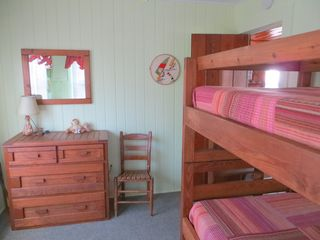 Holden Beach house photo - Green Bedroom w/Bunk Beds