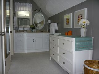 Lake Toxaway cottage photo - Master dressing room, Double Sinks