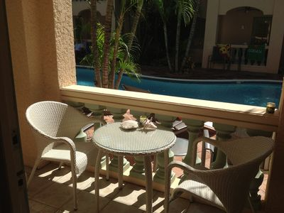Aruba condo rental - Pool-side private bistro-table