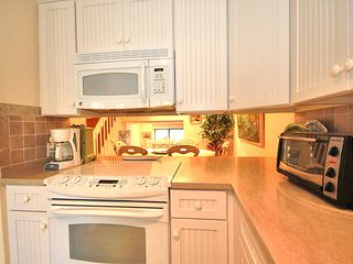 Hyannis - Hyannisport condo photo - Kitchen