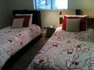 Manitou Springs townhome photo - 2 new twin beds. 2 optional sleeping mats for the kids available too!