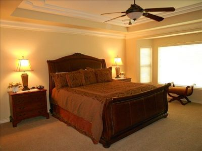 SPACIOUS Master Suite, Comfy KING Bed (Impressive LEATHER Headboard) and Balcony