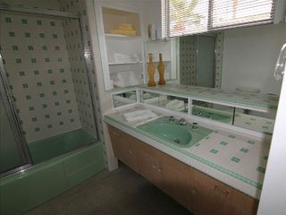 Palm Springs house photo - Twin bath