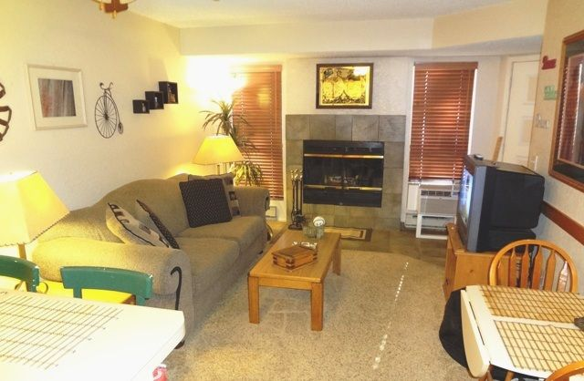 BEAUTIFUL DOWNSTAIRS 1 BR CORP / VACATION CONDO - CLOSE TO SUMMIT HOSPITAL