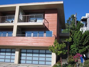 Summerland townhome rental - Front view of Unit A