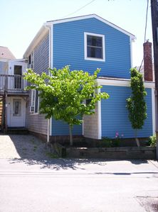 Provincetown condo rental - Front of building facing street