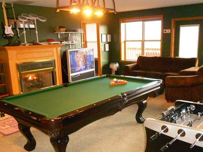 Huge Game Room with Pool, HD TV, Fireplace, Hot Tub, etc.