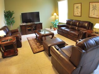 Hampton Lakes villa photo - Spacious Family Room
