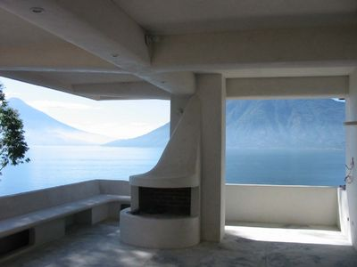 An organic Architecture/ Spectacular Lakefront Property For Couples /Families