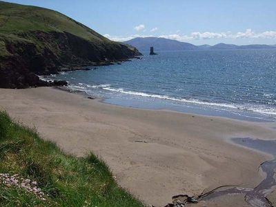 Gorgeous Secluded Sandy Beach. 2 minute stroll down lovely quiet country lane.