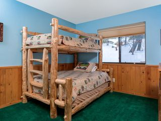 Bear Mountain cabin photo - Log bunkbeds with Full on bottom and twin on top,