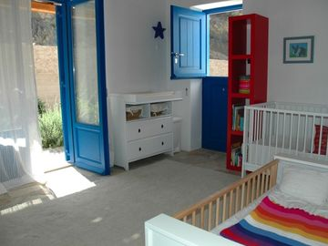 Childrens' room (can be reconfigured to accommodate 2 adults)