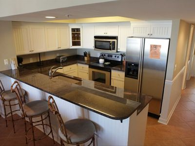 Completely renovated Kitchen - new Cabinets and Granite Counter tops!
