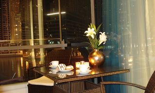Dubai Marina & Al Sufouh apartment photo - Balcony night