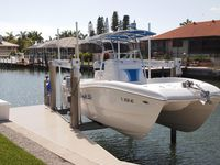 Boat available!! Walk to beach in brand new 4/4 with quick gulf access.