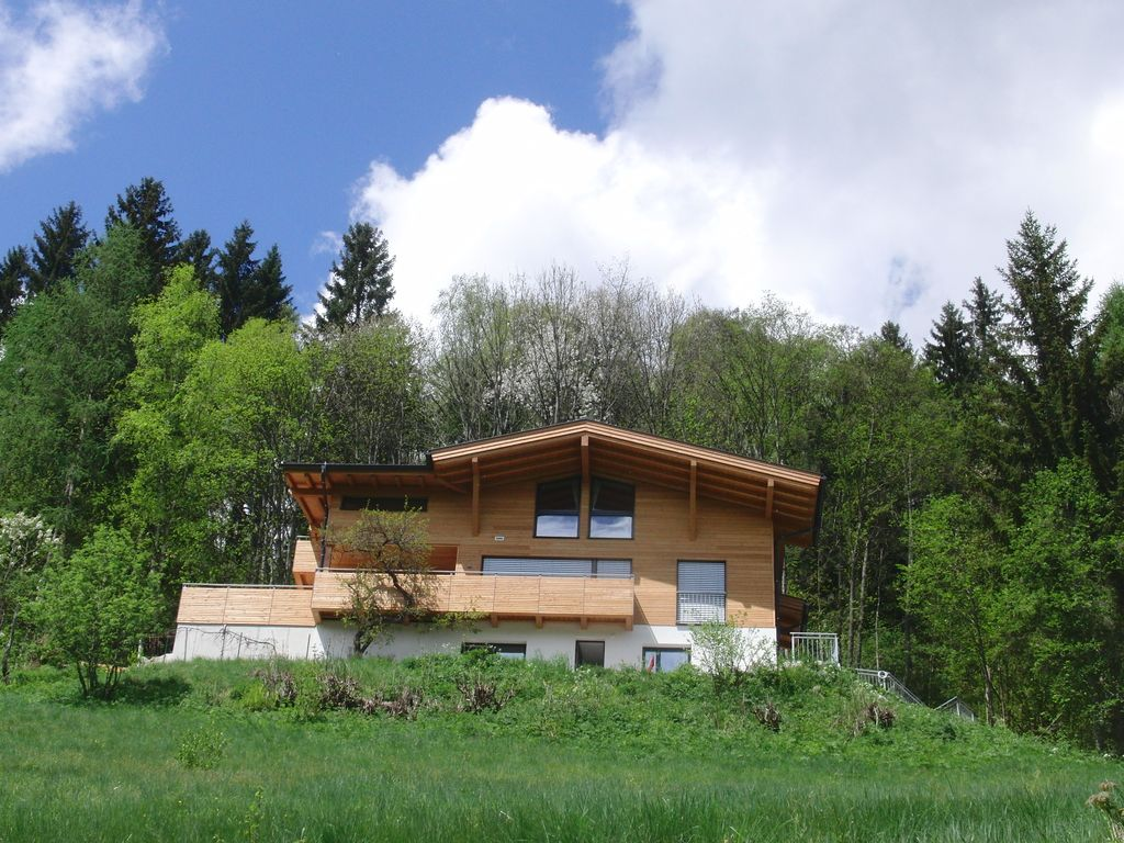 Luxury accommodation, 125 square meters, close to the beach