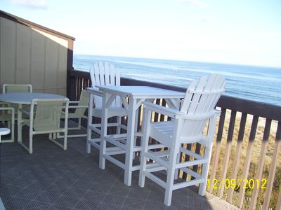 High Rise Table with 4 Chairs on Deck