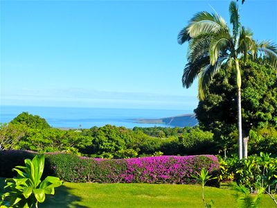 Another remarkable view of Kealakekua Bay from Tara Cottage's lanai & grounds