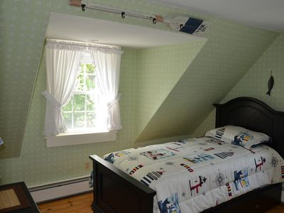 2nd Floor Bedroom with Twin Bed and Trundle