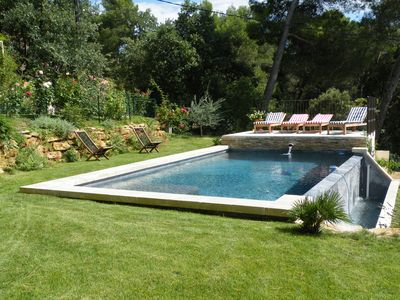 VILLA, BEAUTIFUL VIEW WITH HEATED INFINITY POOL BETWEEN NIMES, AVIGNON