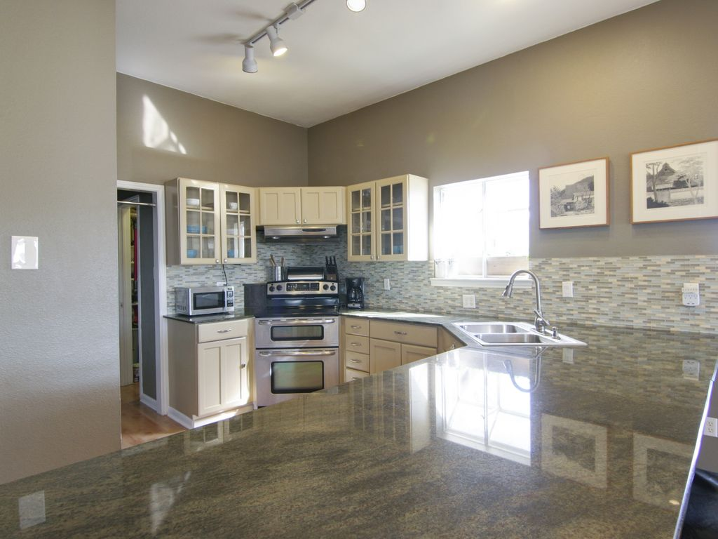 Bear Creek Country Kitchens Bear Creek Modern Hill Country Pool 4br 25ba On 5 Acres Austin