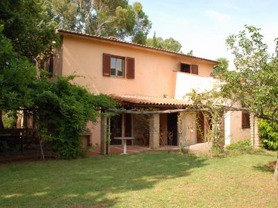 Detached house with large garden just 9 km from the sea.