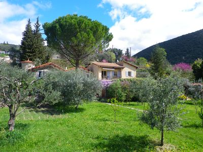 Adjoining apartment country house with superb views south.