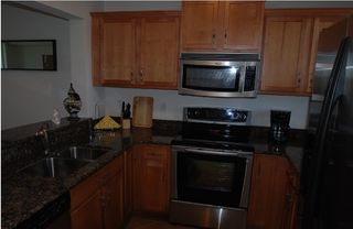 Tampa townhome photo - New fully equipped kitchen,solid wood, granite & all new appliances