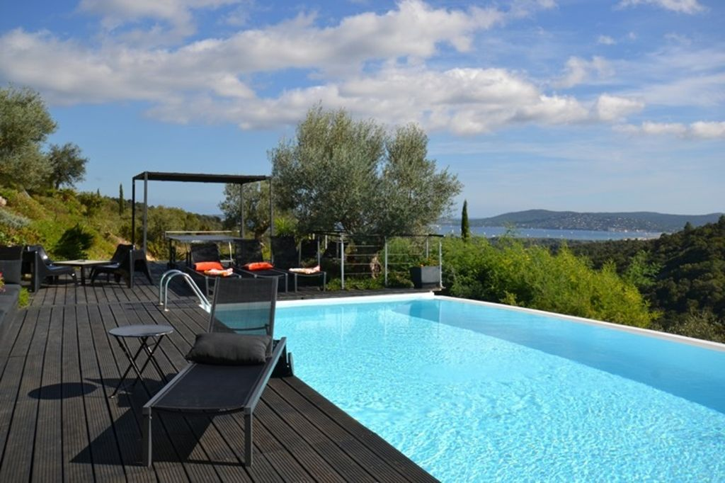 golfe saint tropez maison contemporaine piscine debordement terrasses vue mer var 646596. Black Bedroom Furniture Sets. Home Design Ideas