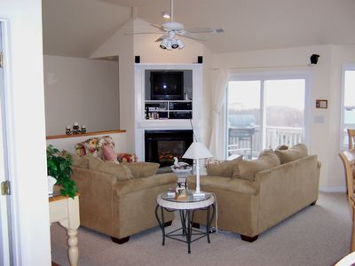 Great Room/Fireplace/TV With Surround Sound, ocean views