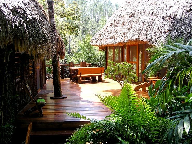 Luxurious, Secluded Riverfront Villa with spa, steps from Jungle and waterfall