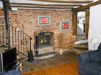 VINE COTTAGE, family friendly in Halesworth, Ref 11620